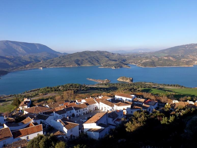 The reservoir below Zahara