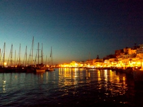 Naxos port at night, when the temperature is still pleasant