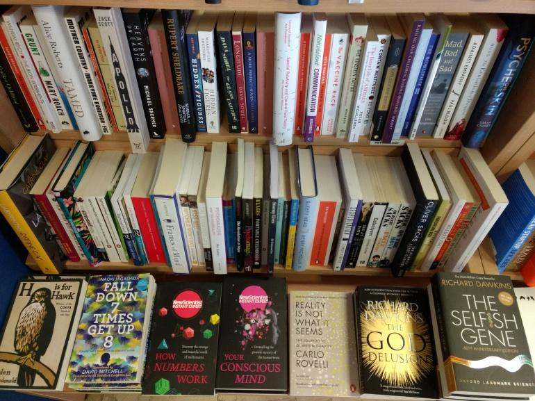Science books in Come In English bookstore