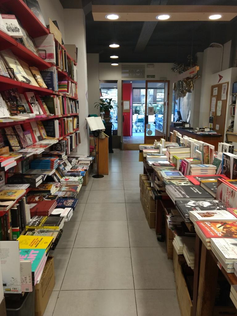 Simple layout in Llibreria Documenta bookstore
